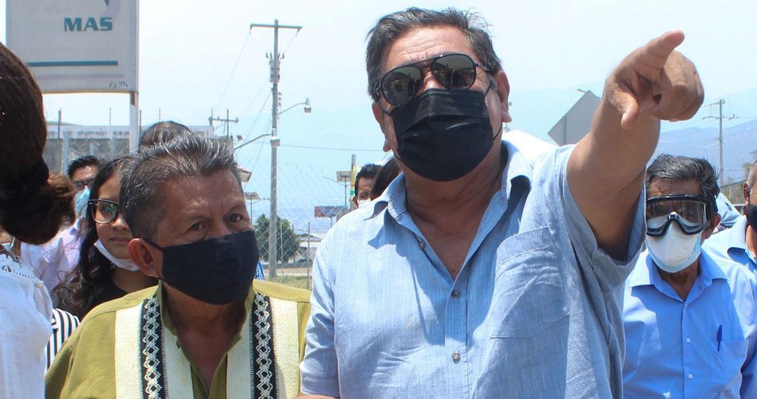 Félix Salgado Macedonio, senador con licencia, acusó al expresidente Carlos Salinas de Gortari de manipular al Instituto Nacional Electoral (INE) antes de salir de caravana hacia Iguala